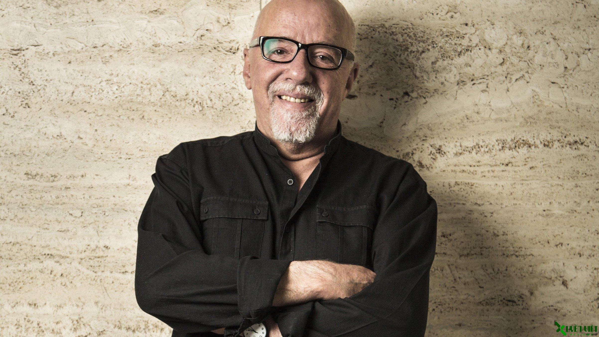 Hình ảnh nhà văn Paulo Coelho